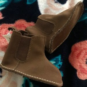 Baby Gap leather/textile sock booties brown